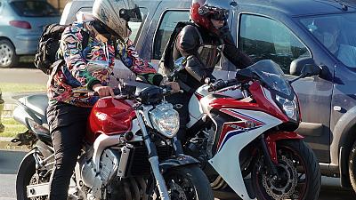Automobilisté proti motorkářům - a naopak?