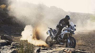 Triumph - motorka pro Jamese Bonda
